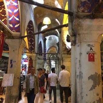 Pasillo laberíntico del Gran Bazar