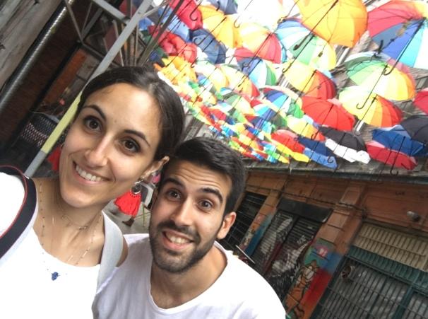 Calla de paraguas en Karakoy